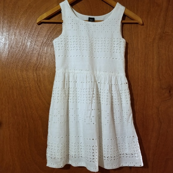 GAP Other - Gap girls eyelet dress (S)